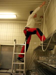 Schwierige Kabelführung in Gastro-Großküche